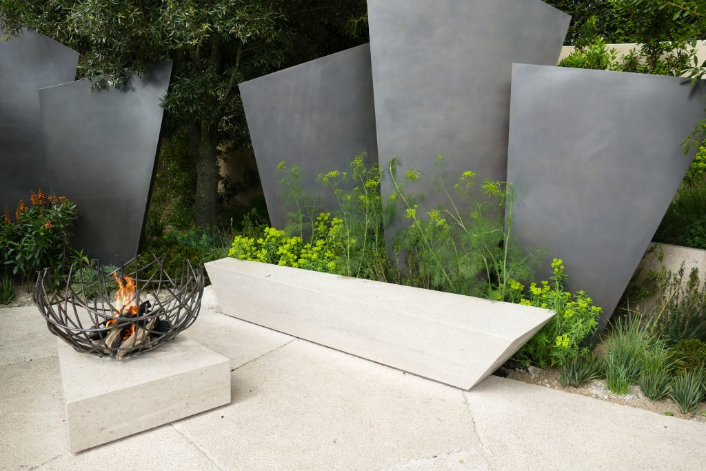 Firepits in garden design in 2017