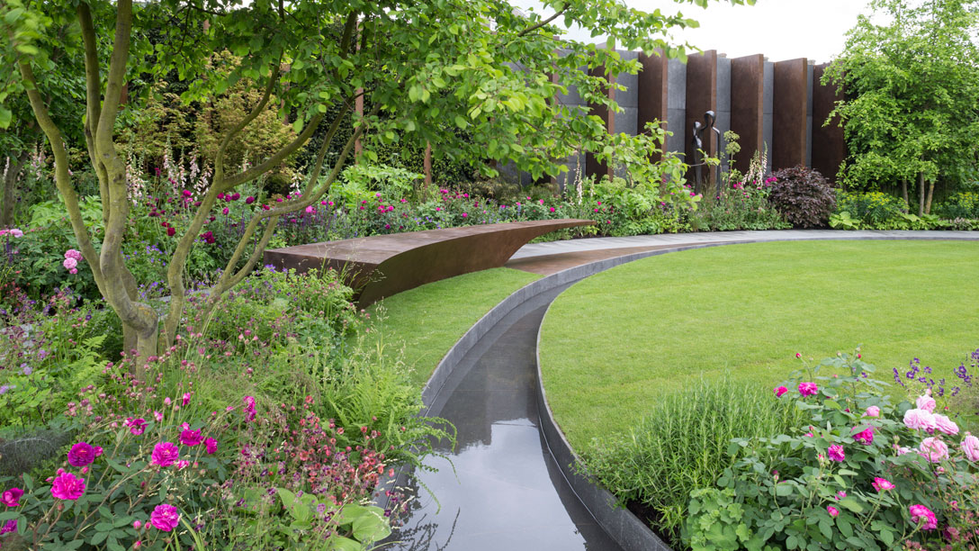 The Chelsea Barracks Garden by Jo Thompson at chelsea flower show