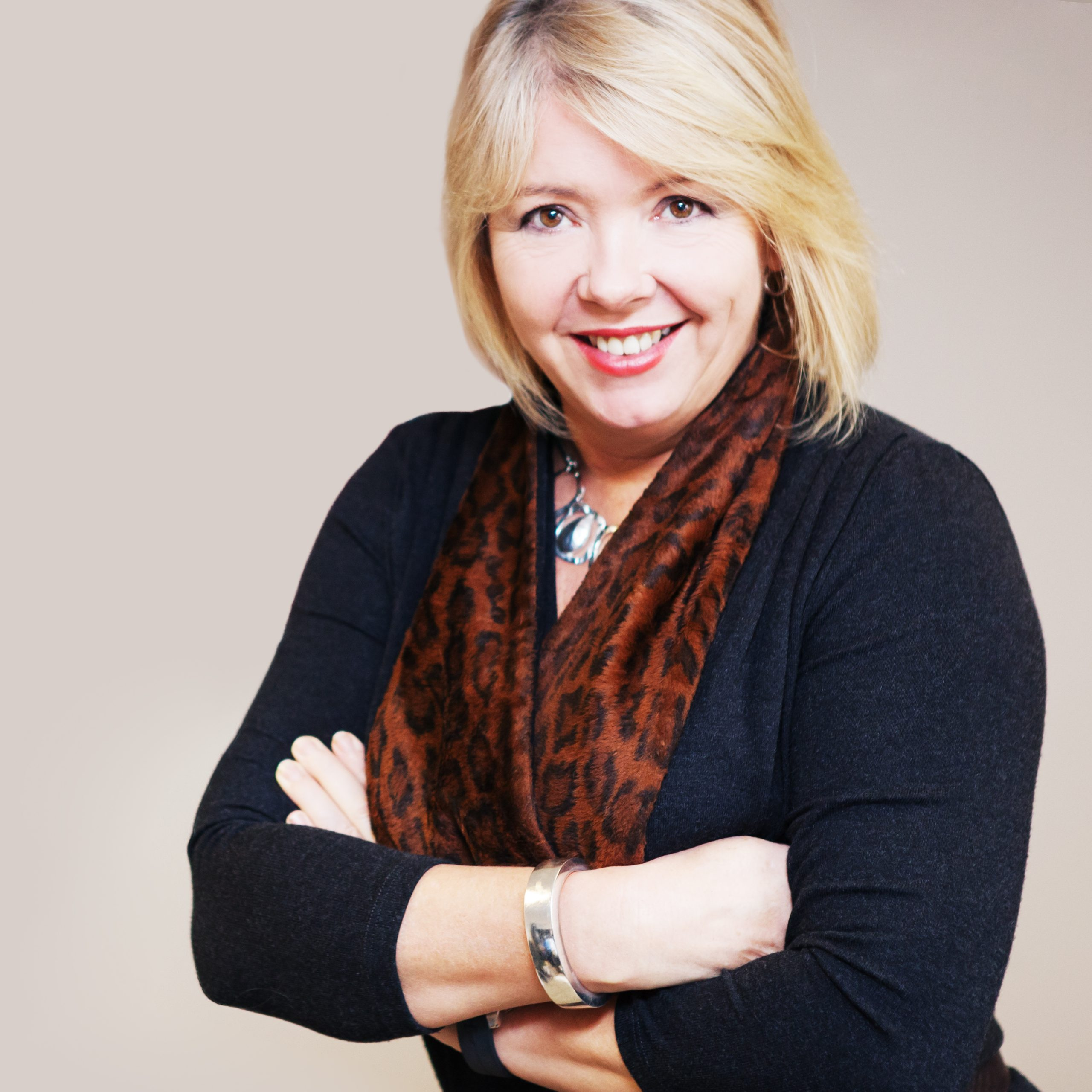 Patricia Fox, Aralia