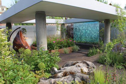 Silent pool gin garden